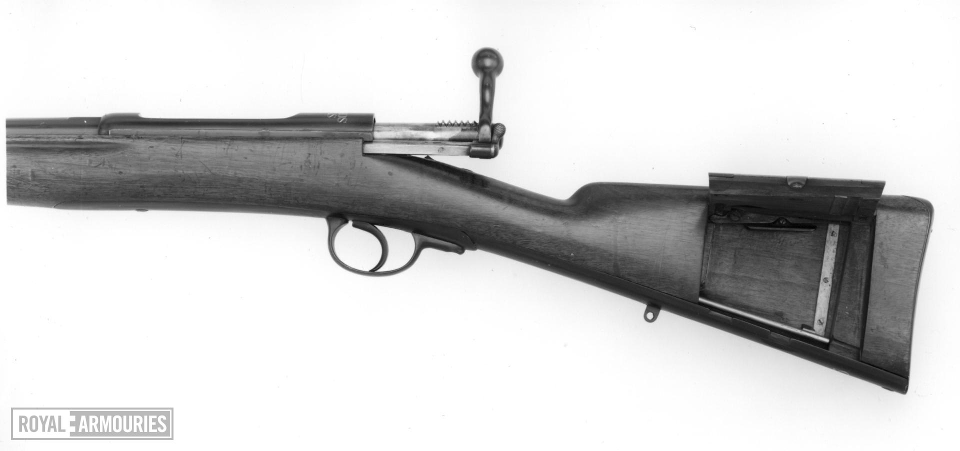 Centrefire bolt-action magazine rifle - Model 1883
