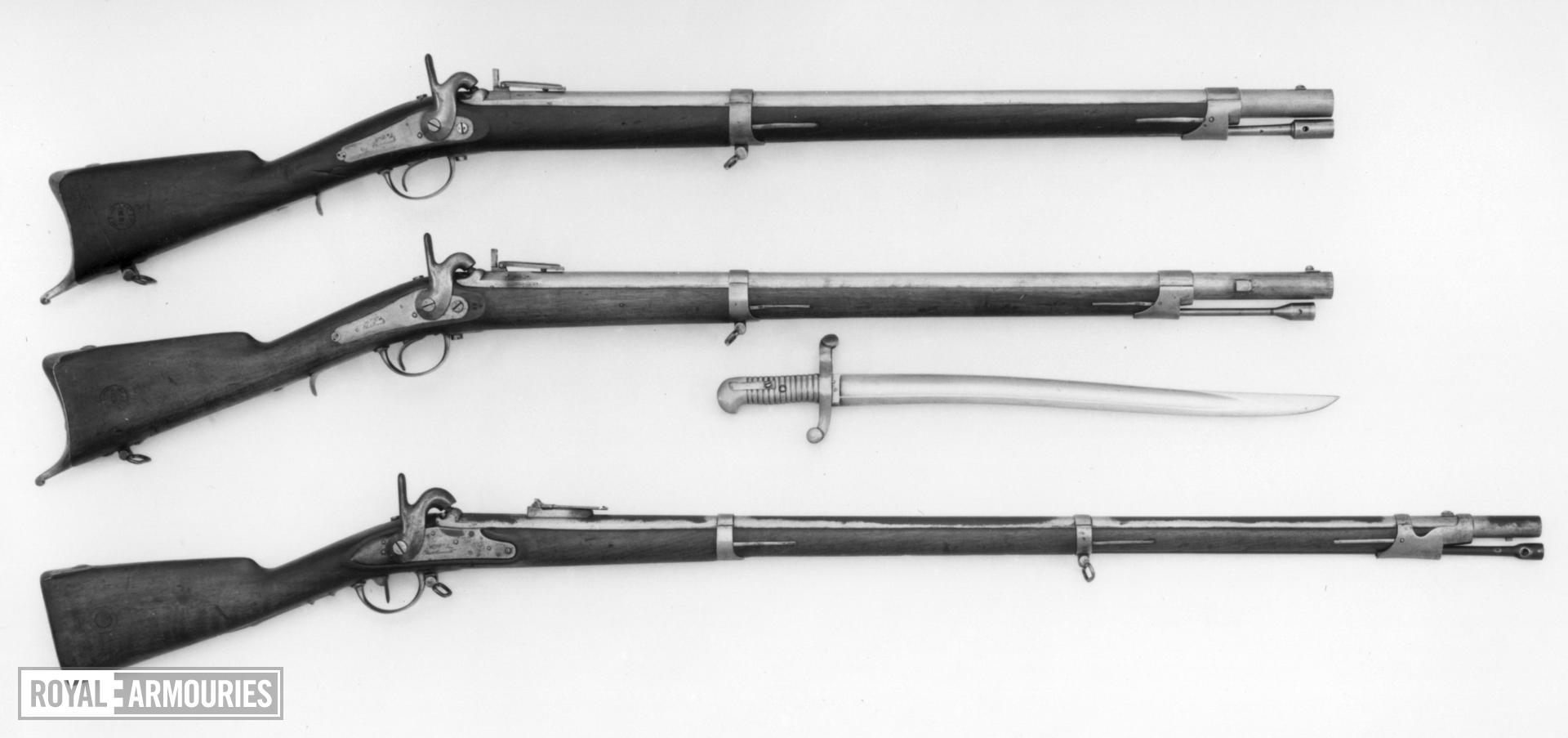 Percussion muzzle-loading military wall rifle - Model 1840