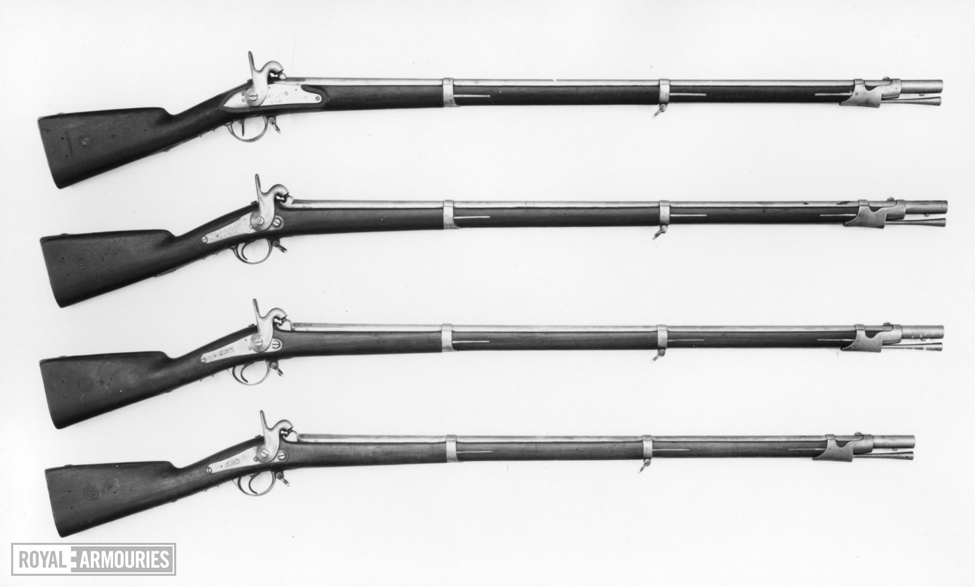 Percussion muzzle-loading military musket - Model 1822