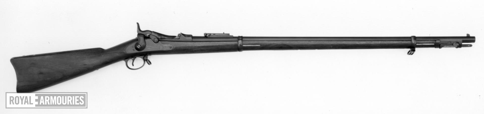 Centrefire breech-loading rifle - Springfield Model 1884 Model 1884 Springfield with rod bayonet Known as the trapdoor Springfield