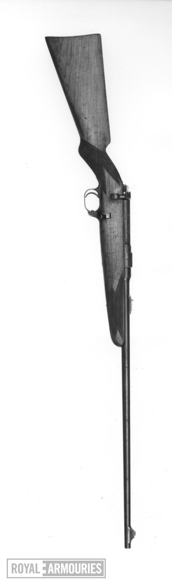 Centrefire bolt-action magazine sporting rifle - Ross Model 1900