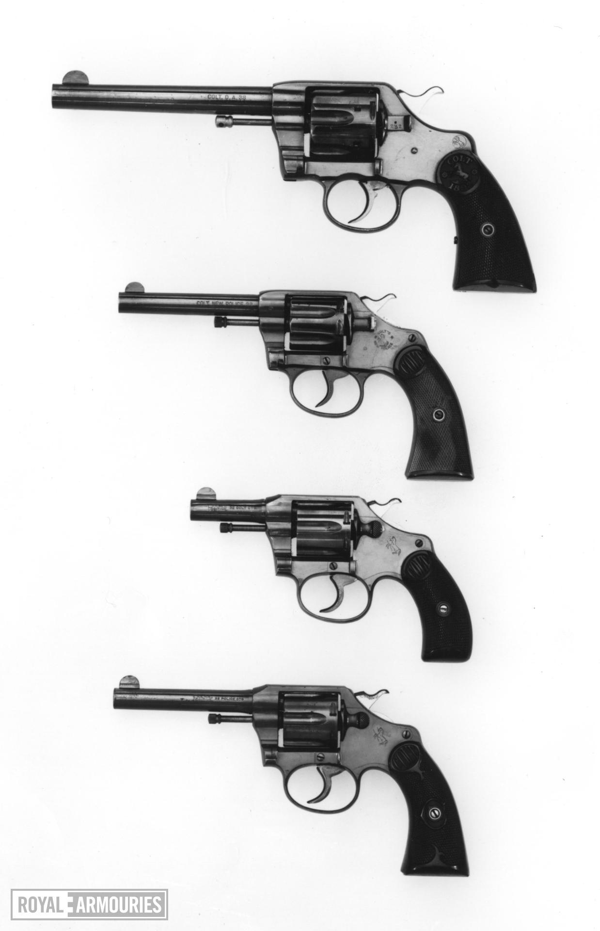 Centrefire six-shot revolver - Colt New Police 32 Model