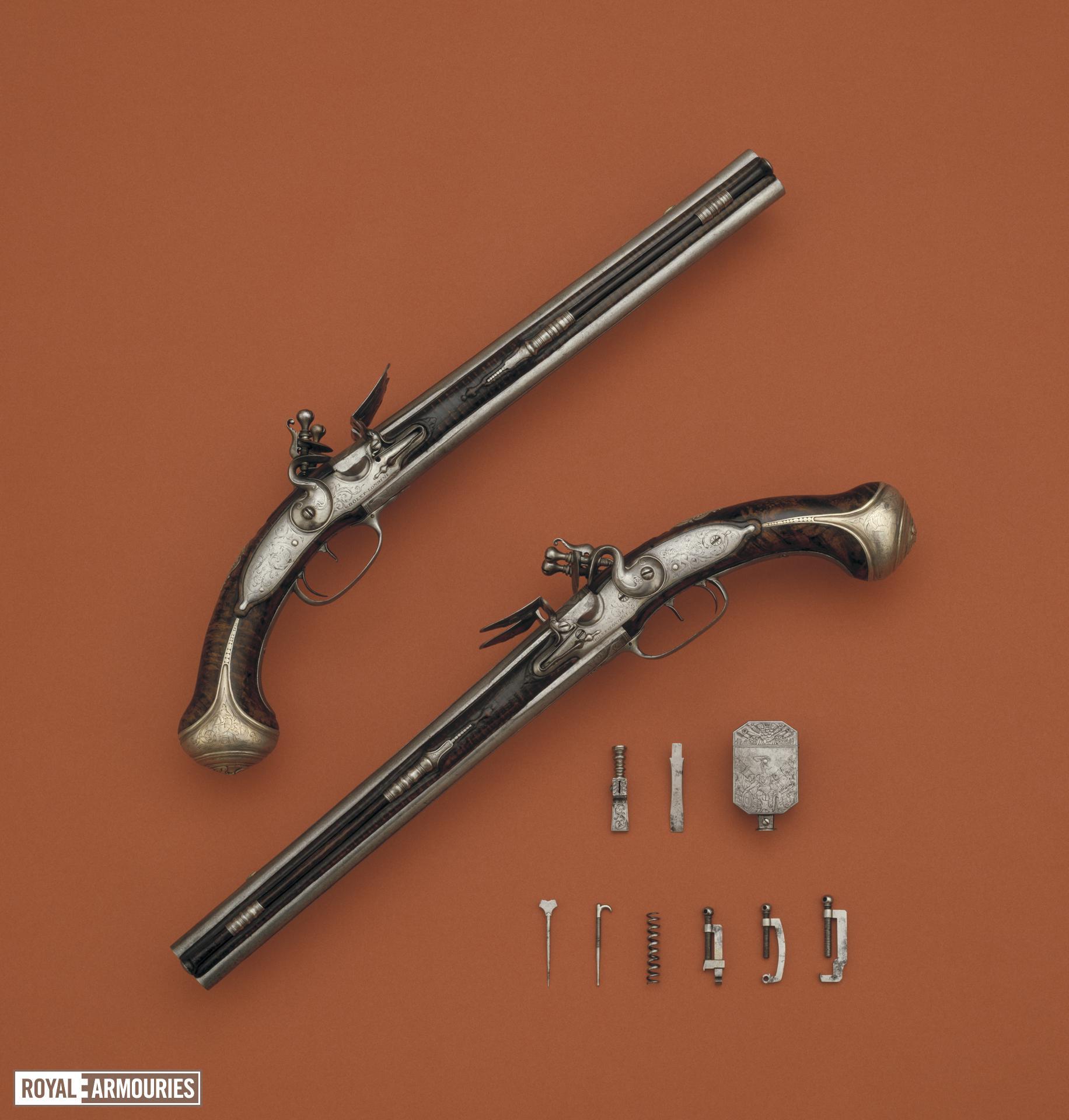 Flintlock double-barrelled pistol
