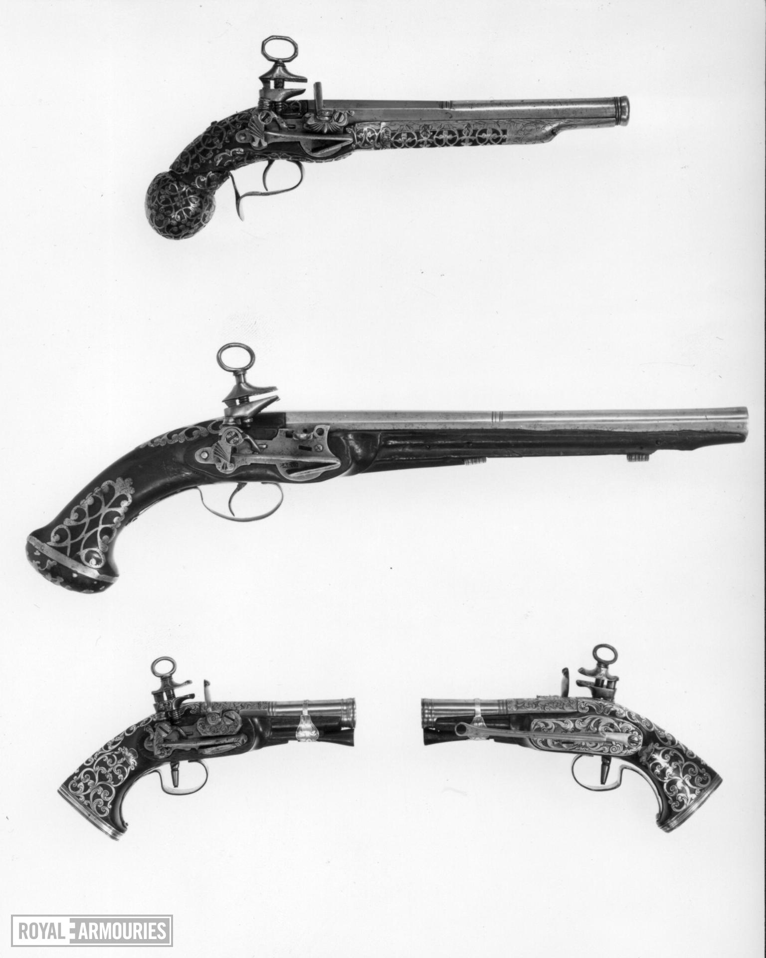 Flintlock pistol By Molas