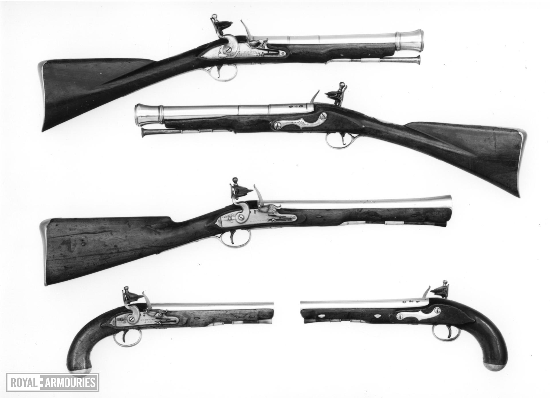 Flintlock muzzle-loading blunderbuss - By J. Harding and Son For Her Majesty's Mail Coaches