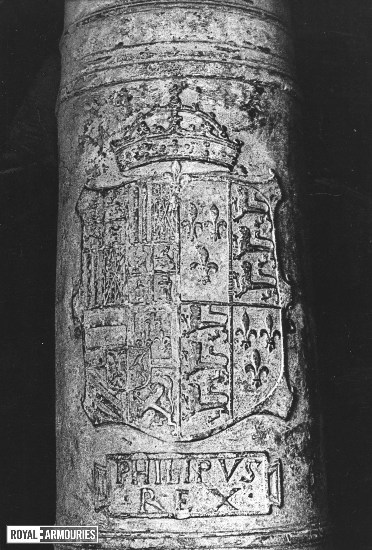 4 in saker Made of bronze Cast by Remigy de Halut