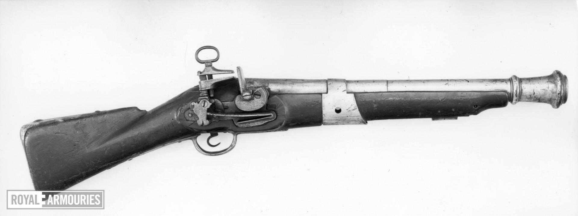 Flintlock muzzle-loading musketoon