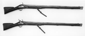 Thumbnail image of Flintlock wall gun - By Tow