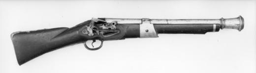 Thumbnail image of Flintlock wall gun Brass barrelled (similar to XII.487), with swivel