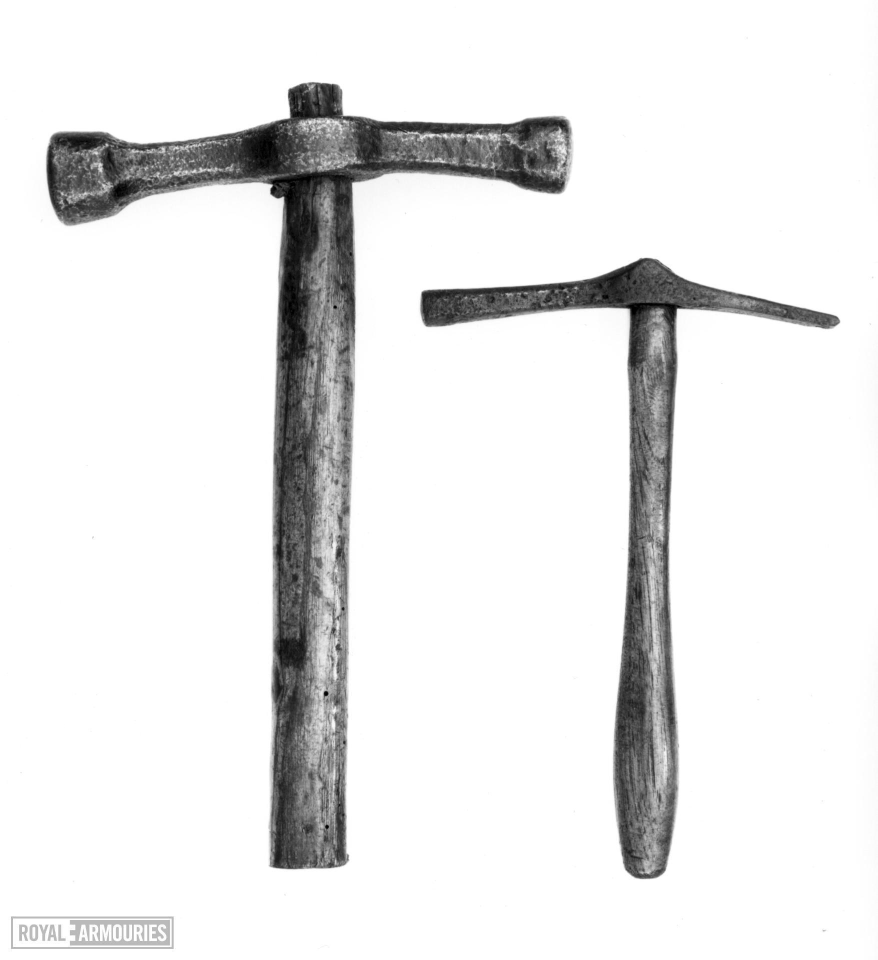 Planishing hammer