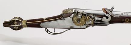 Thumbnail image of Wheellock muzzle-loading holster pistol - N/A For the guards of the Elector Christian II of Saxony. One of a pair; see XII.1258