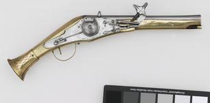Thumbnail image of Wheellock holster pistol For the guard of Duke Julius of Brunswick-Wolfenb³ttel (1528-1589)