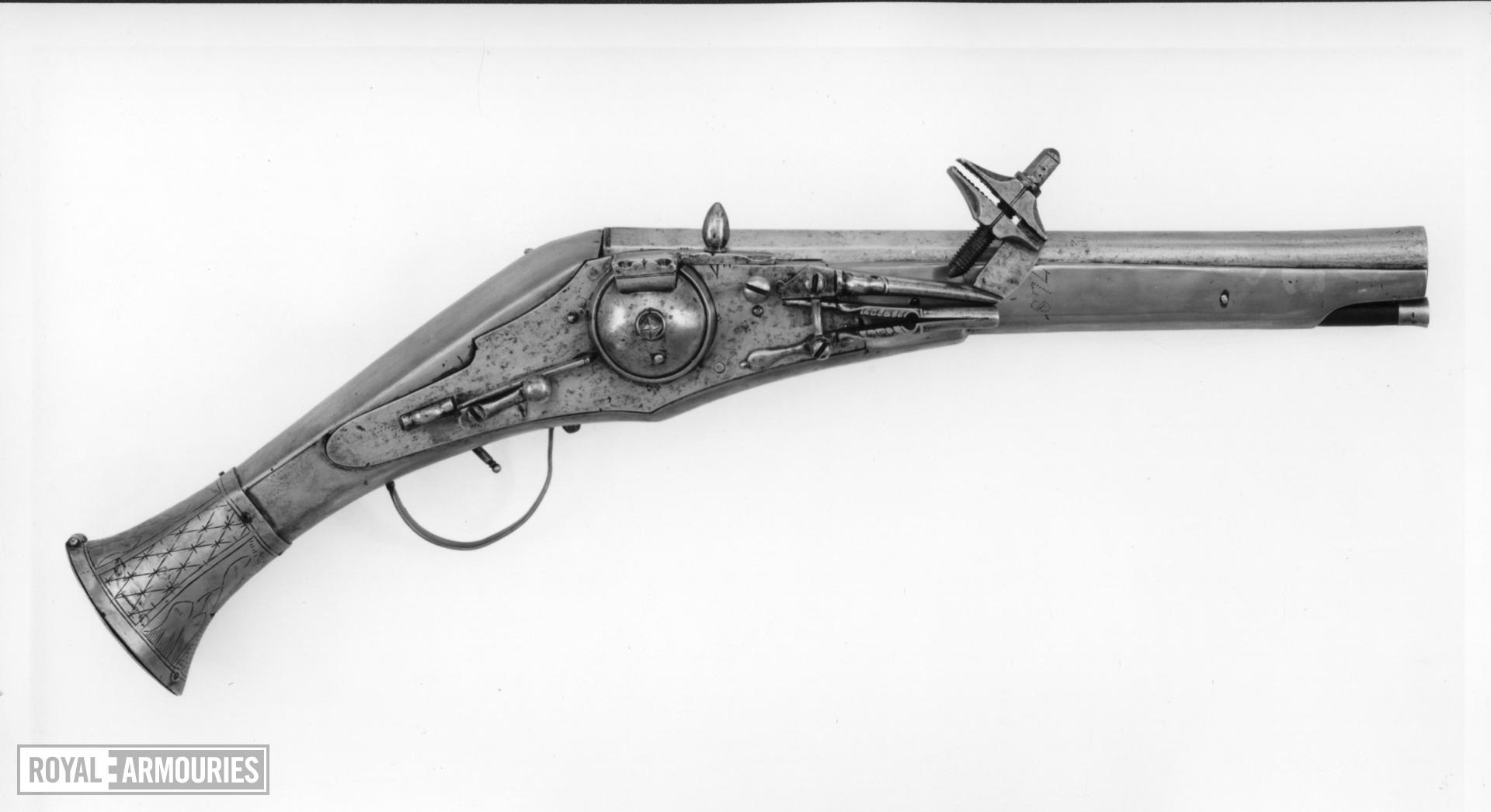 Wheellock holster pistol For the guard of Duke Julius of Brunswick-Wolfenb³ttel (1528-1589)
