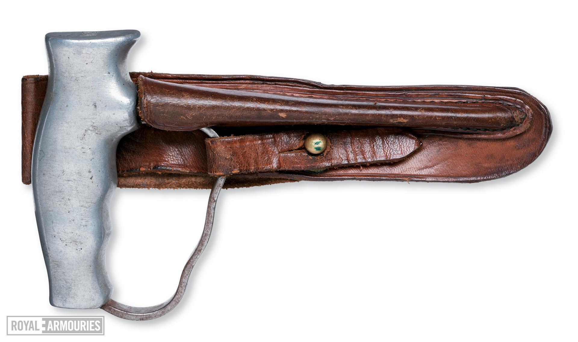 Dagger and sheath - Push dagger