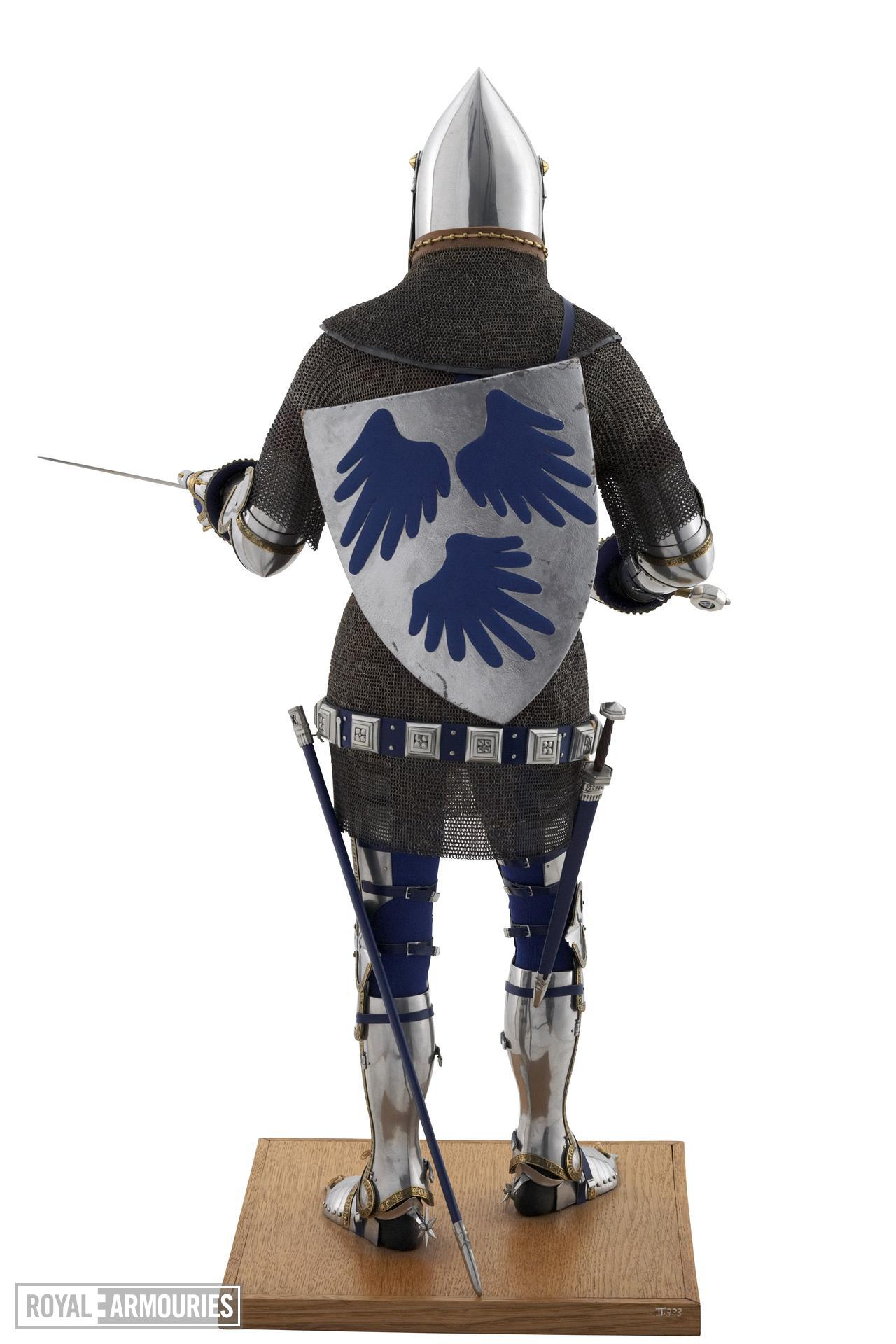 Rear of model of a man at arms in Italian armour of the late 14th century. British, 1975 (II.333)
