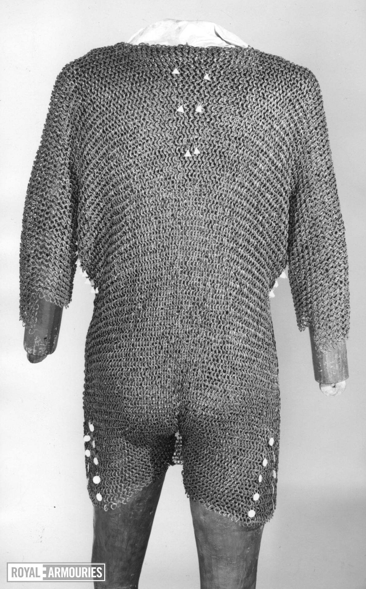 Mail shirt. German, Iserlohn, about 1430. Made by Bertolt vor Parte (III.1320)