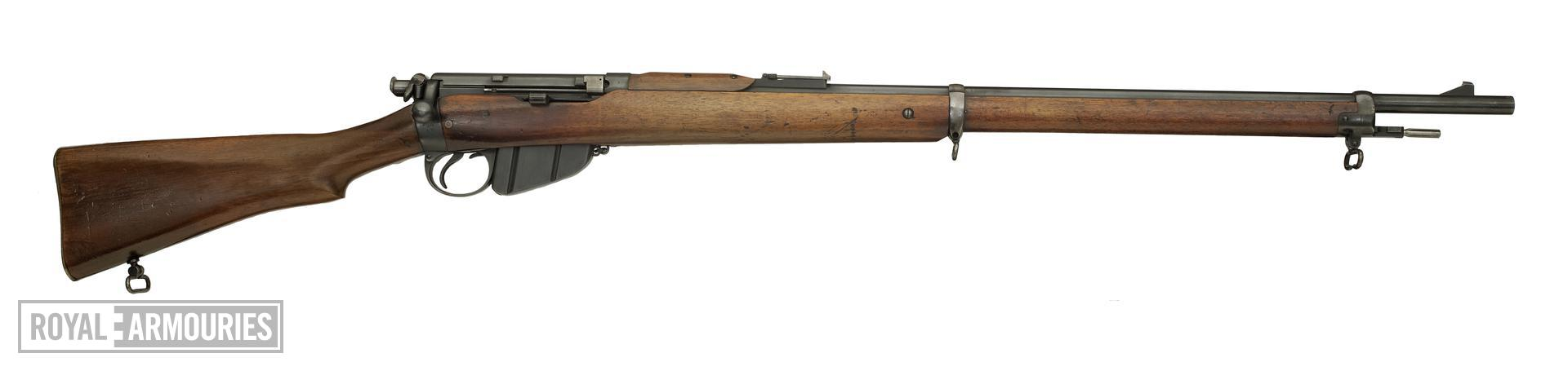 Bolt action magazine military rifle (Lee Enfield Rifle, Mk. 1). British, 1895