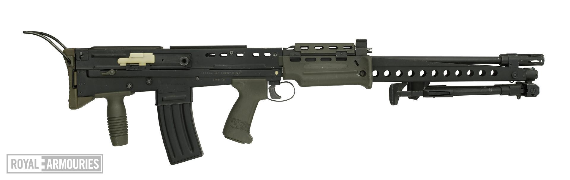 Centrefire automatic military rifle - SA80, XL86E2, experimental