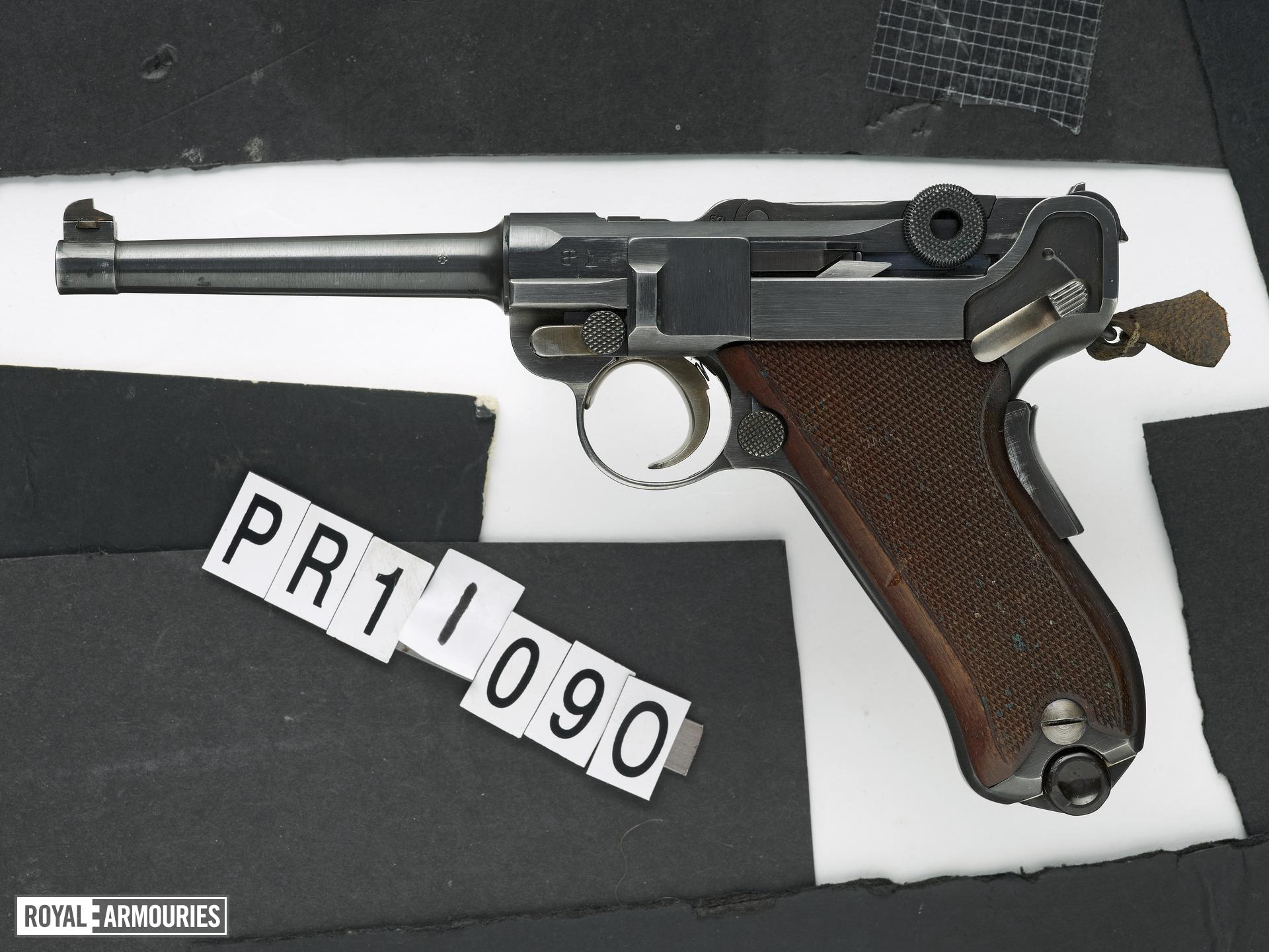Centrefire self-loading pistol - Luger Model 1906 Swiss military pattern service pistol as produced by W+F Bern from 1918 - 1929.