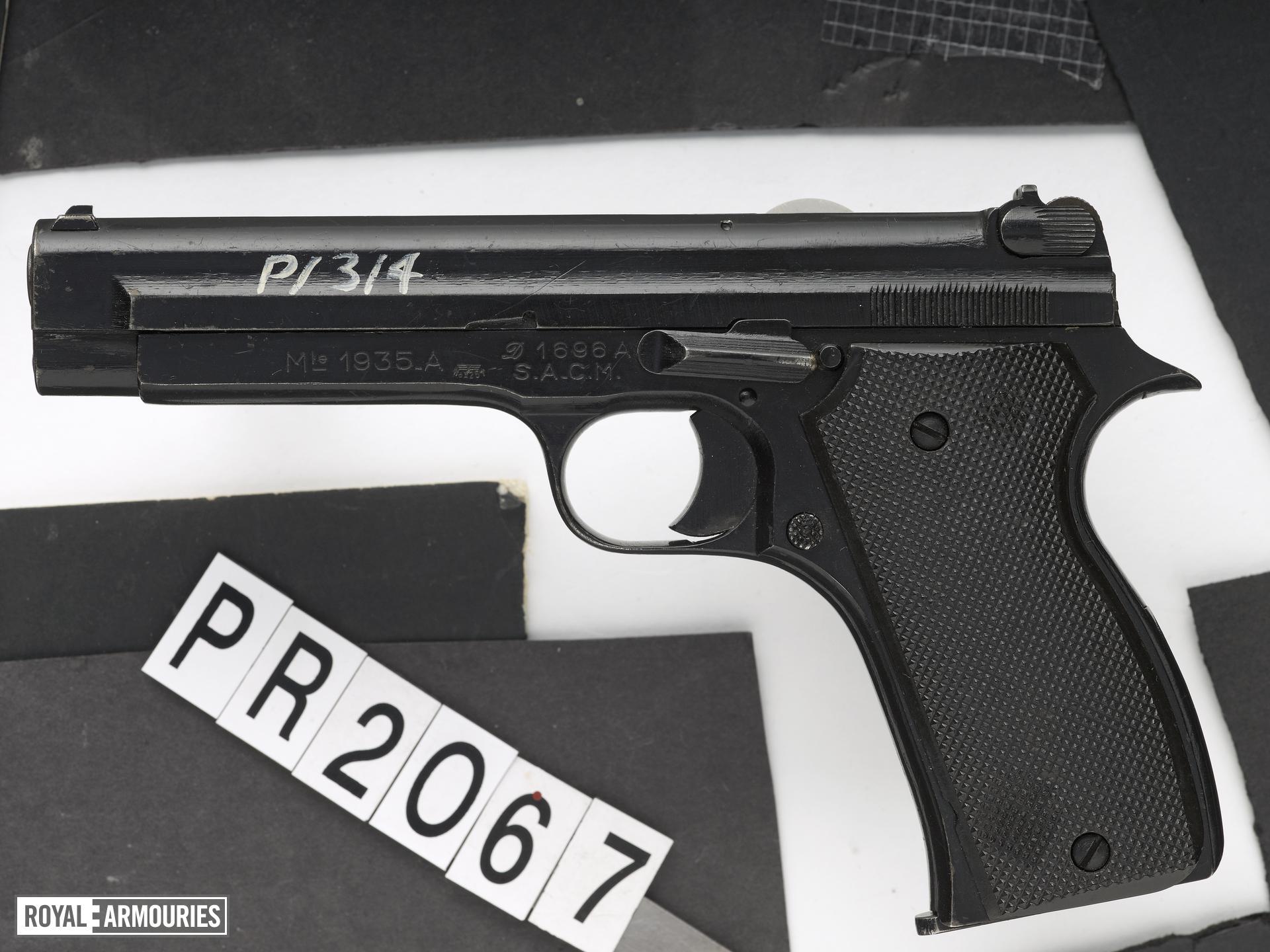 Centrefire self-loading pistol - SACM Model 1935A
