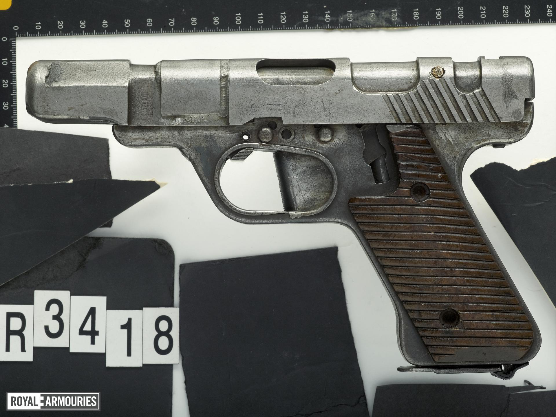 Centrefire self-loading pistol - Mauser VP Experimental