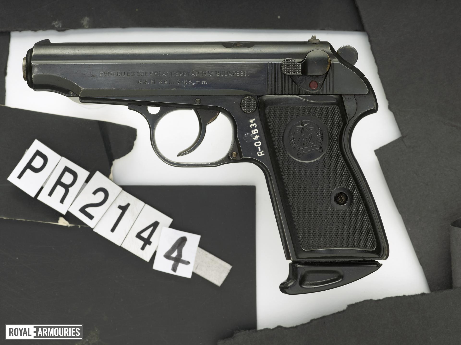 Centrefire self-loading pistol - Walther Model 1948