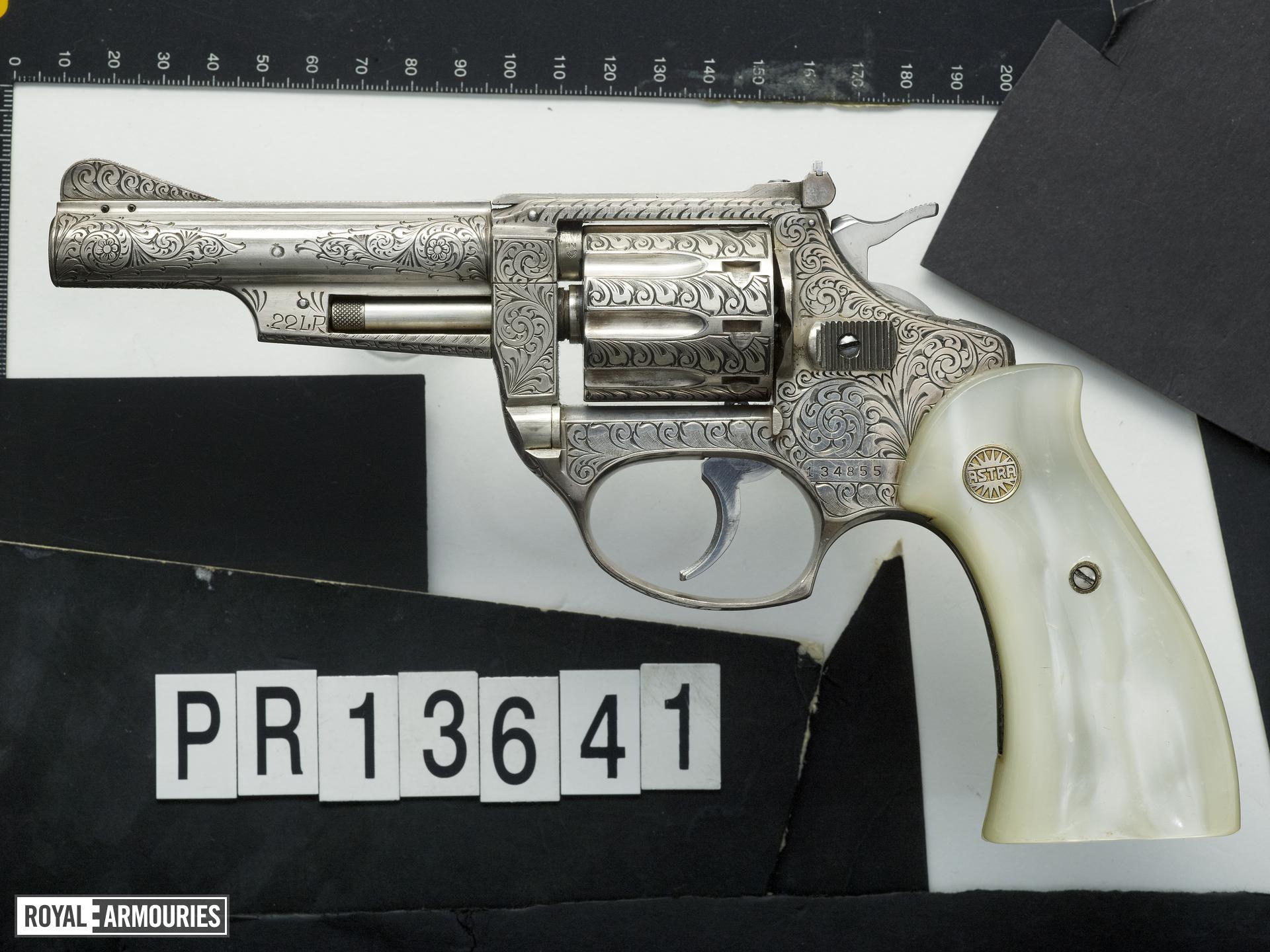 Rimfire nine-shot revolver - Astra Cadix 22