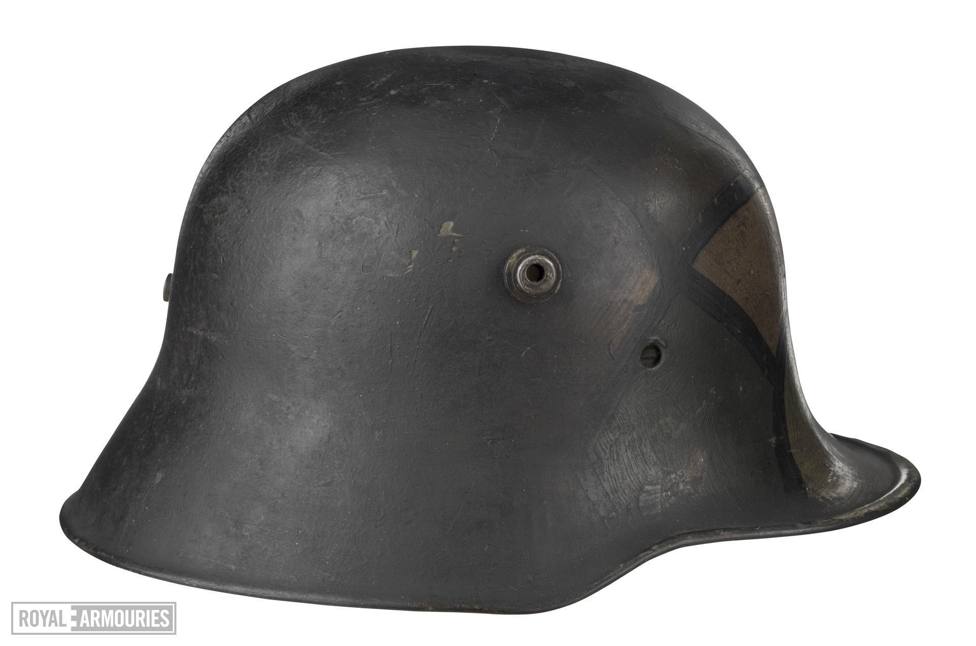 Stahlhelm M18.
