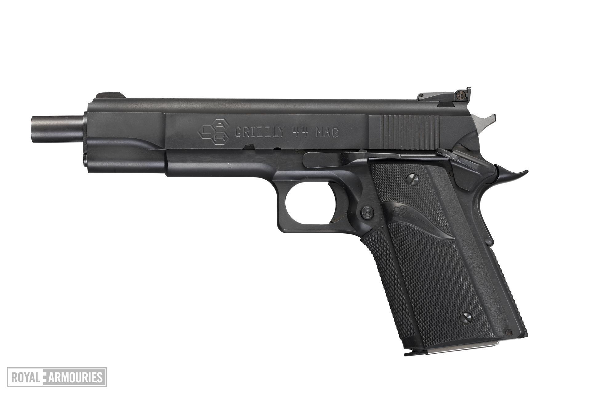 Centrefire self-loading pistol - LAR Grizzly Mk.IV