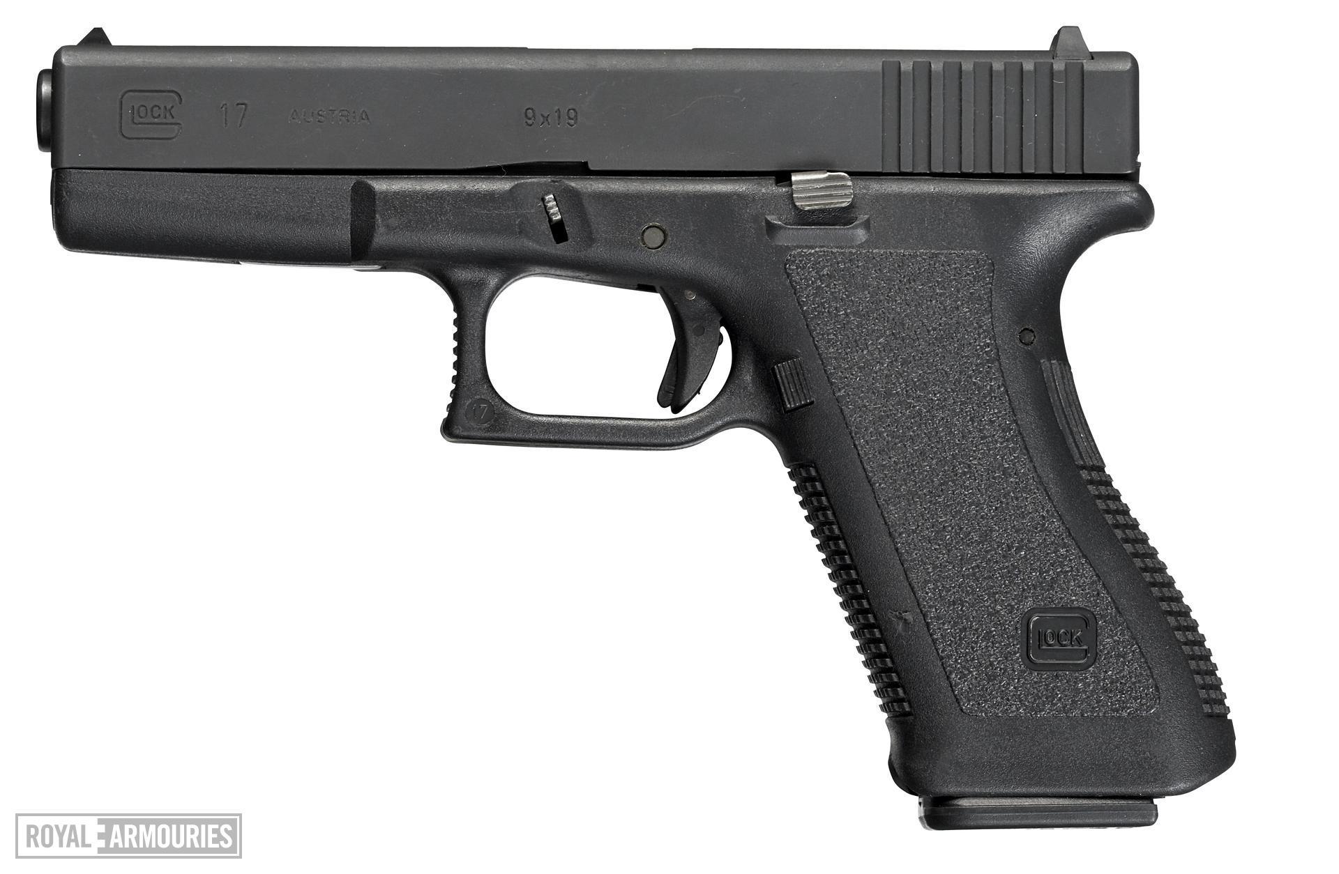 Centrefire self-loading pistol - Glock 17
