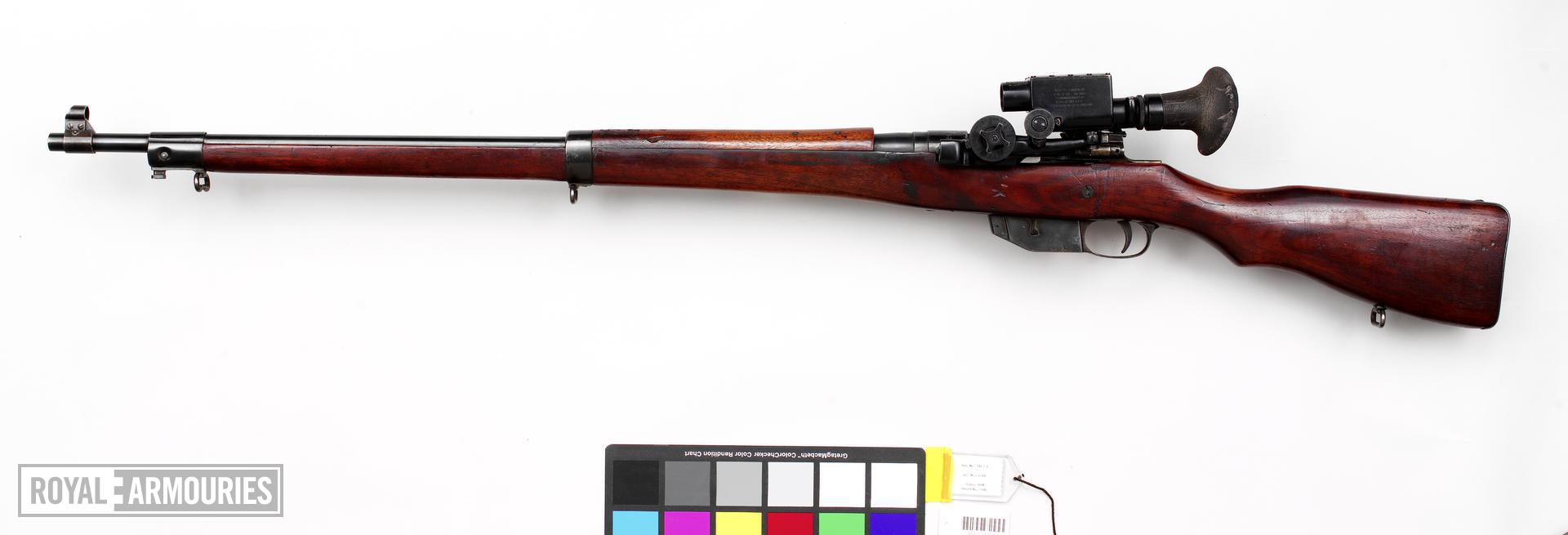 Ross Mark 3 sniper rifle with Warner and Swasey sight