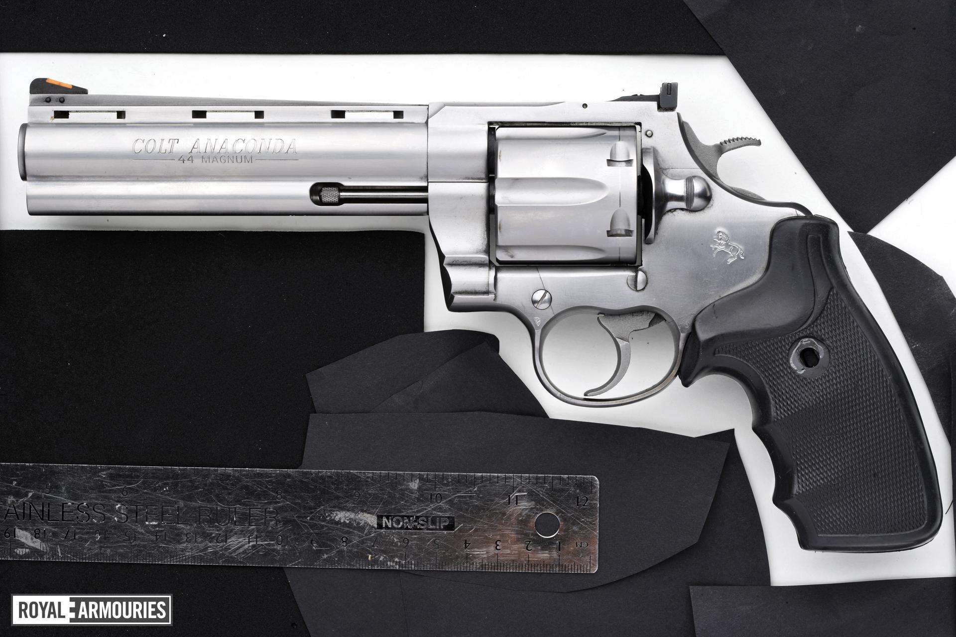 Centrefire six-shot revolver - Colt Anaconda