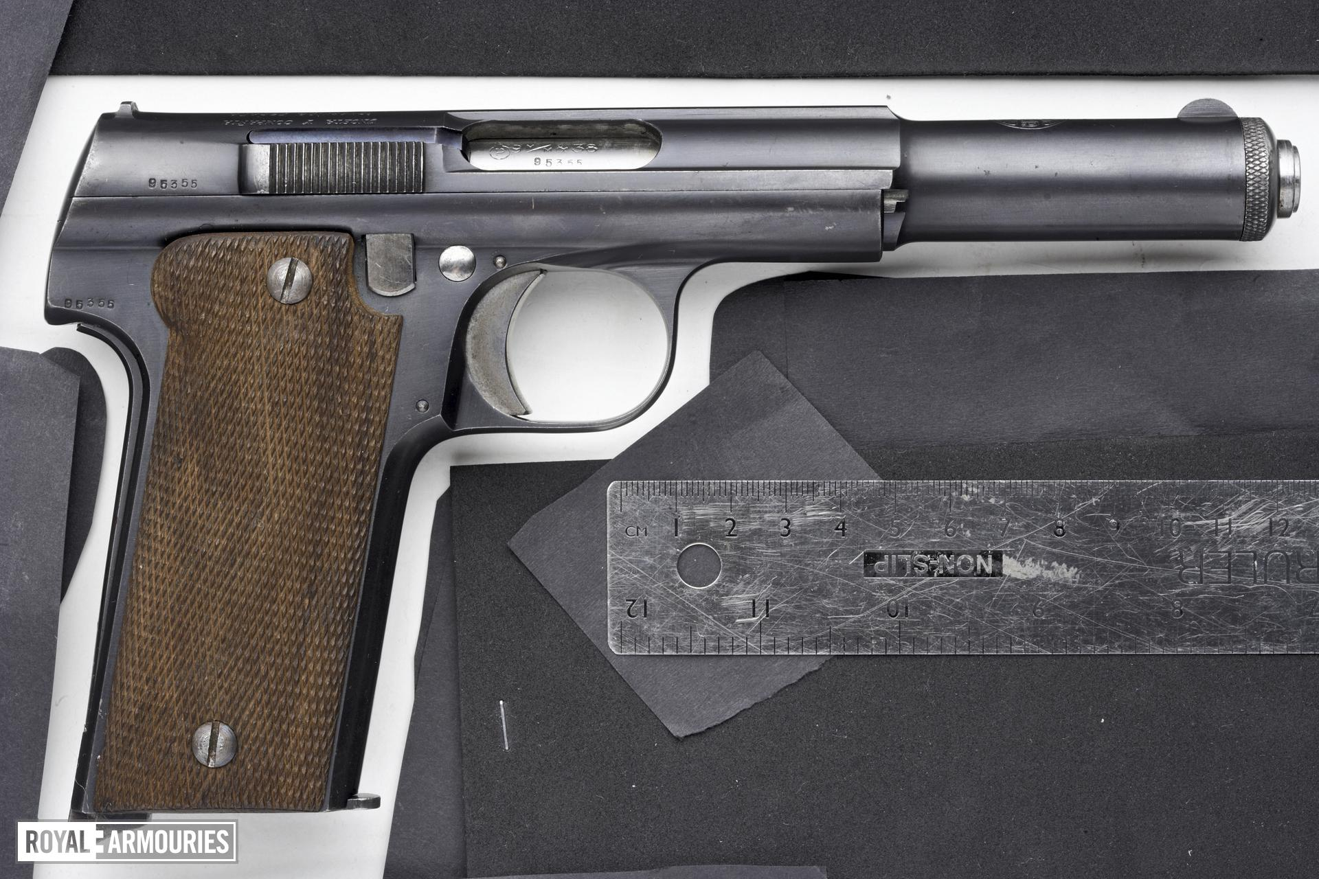 Centrefire self-loading pistol - Astra Model 400