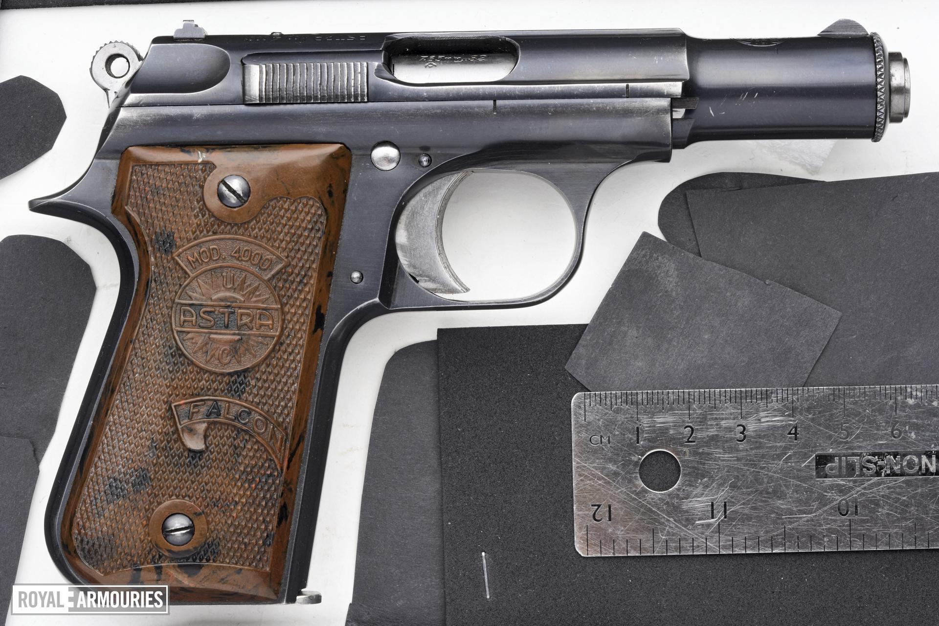 Centrefire self-loading pistol - Astra Model 4000