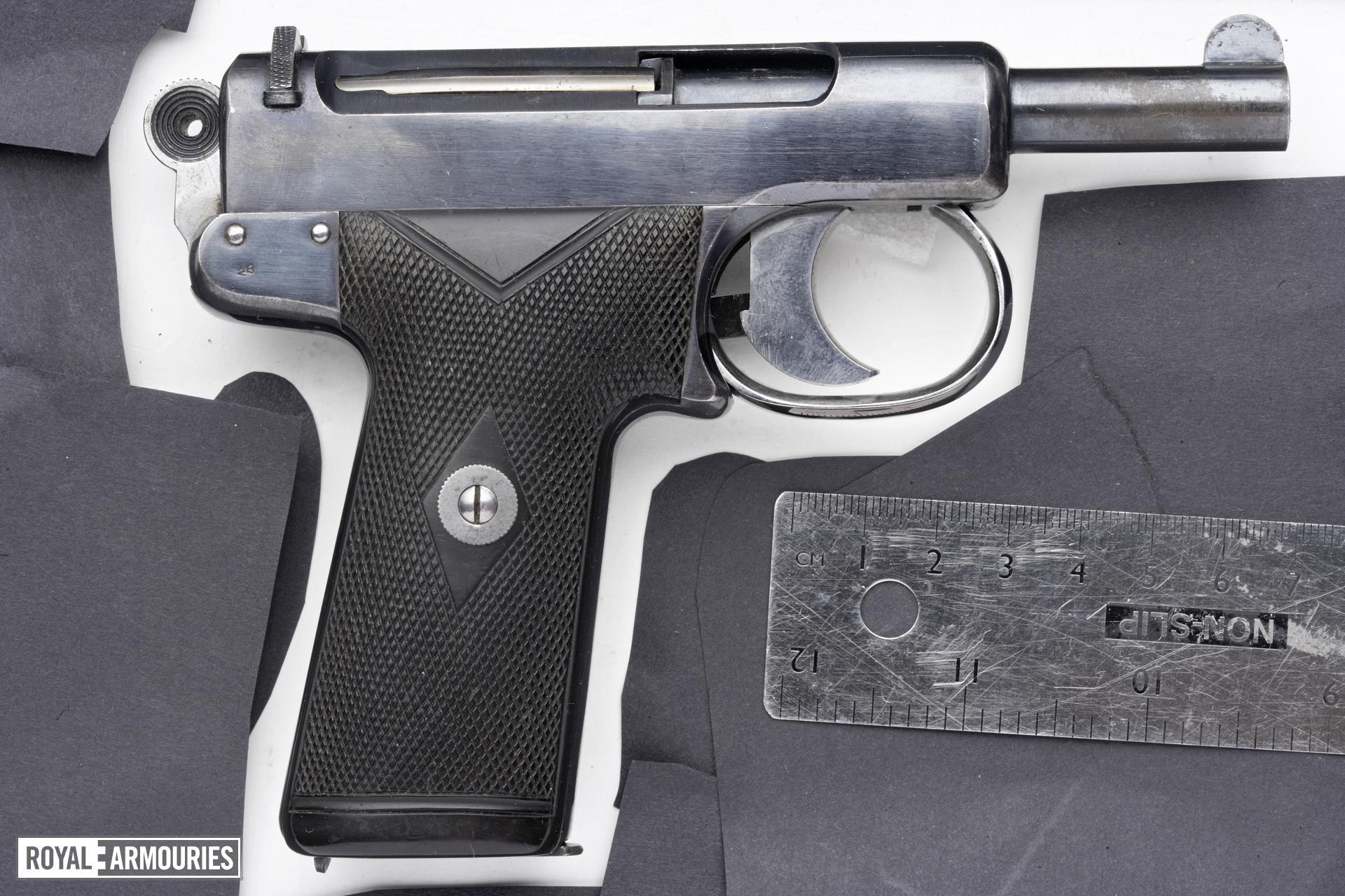 Centrefire self-loading pistol - Webley and Scott Model 1905