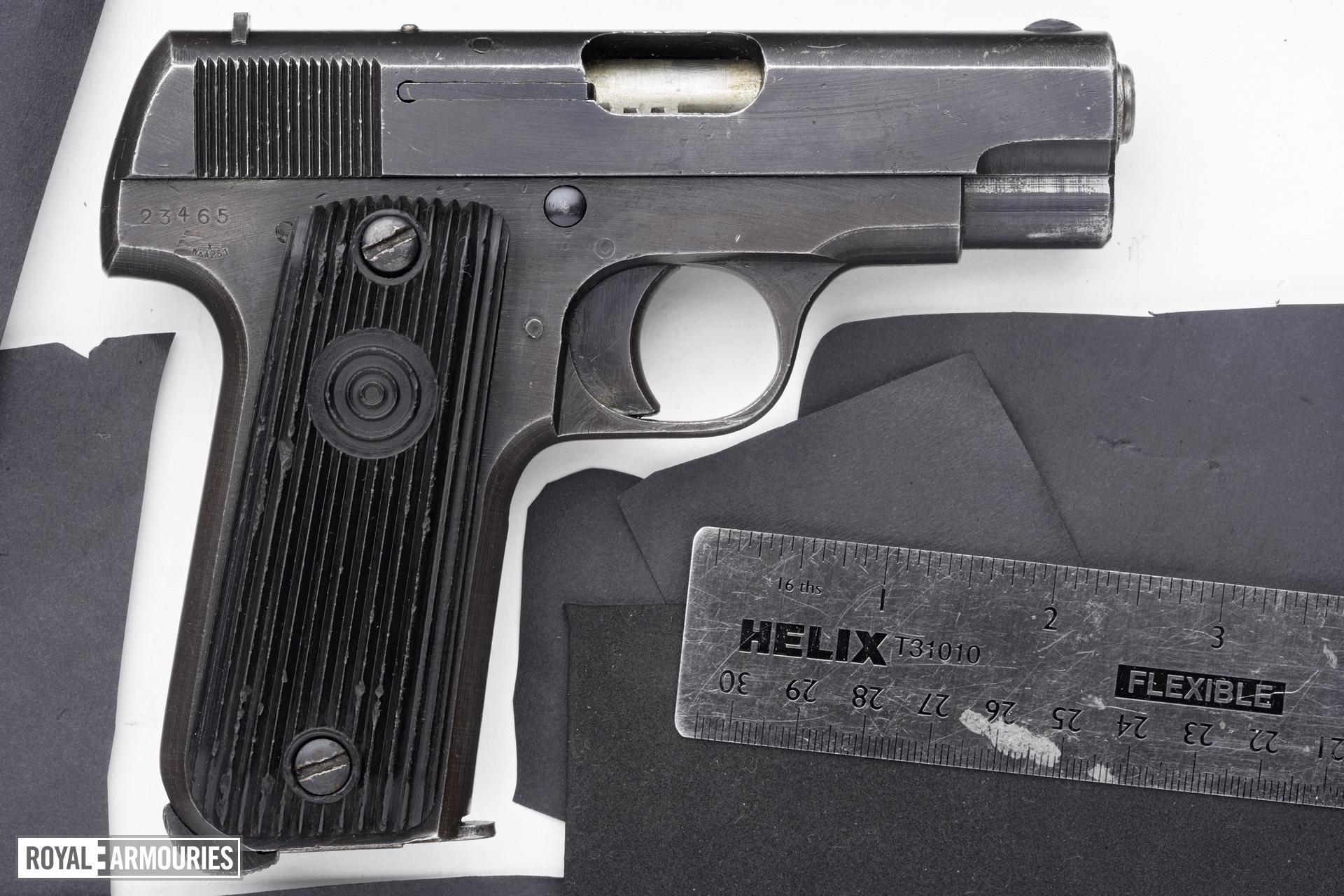 Rimfire self-loading pistol - Unique Model 17 Kriegsmodell