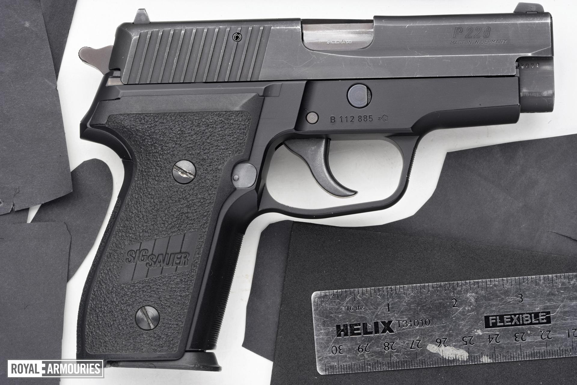 Centrefire self-loading pistol - SIG Sauer P228
