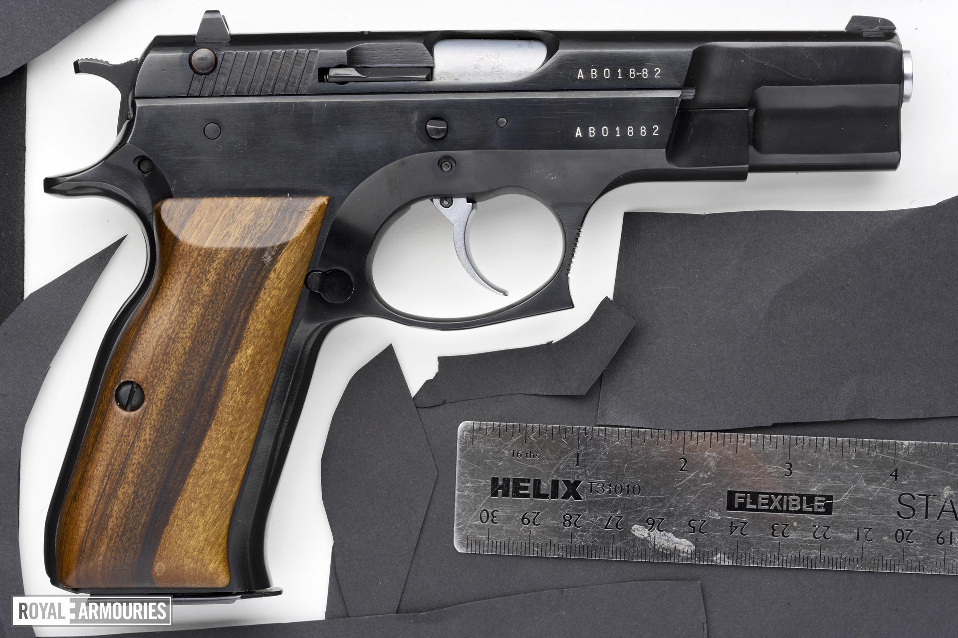 Centrefire self-loading pistol - Tanfoglio TA90