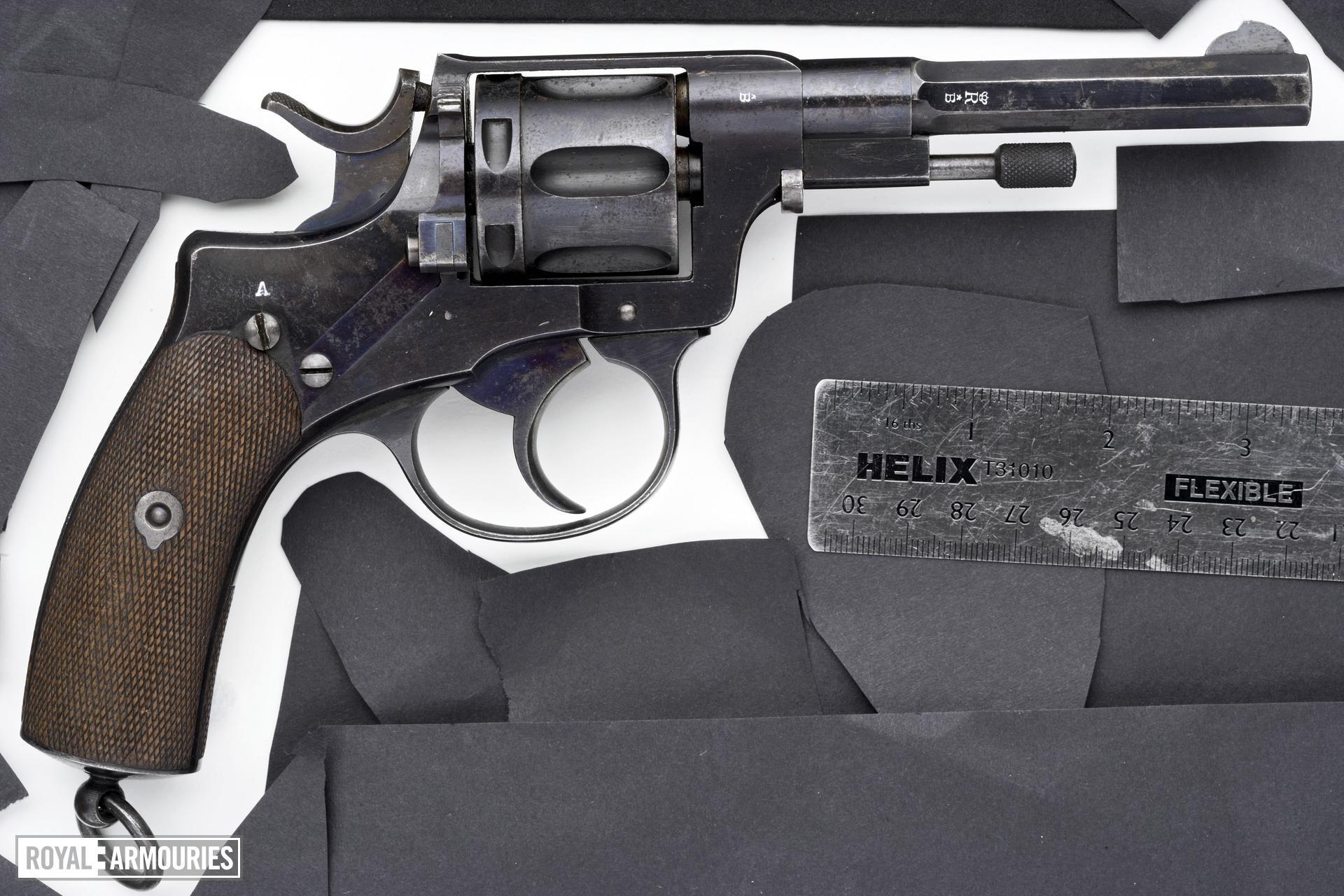 Centrefire six-shot revolver - Nagant Model 1893