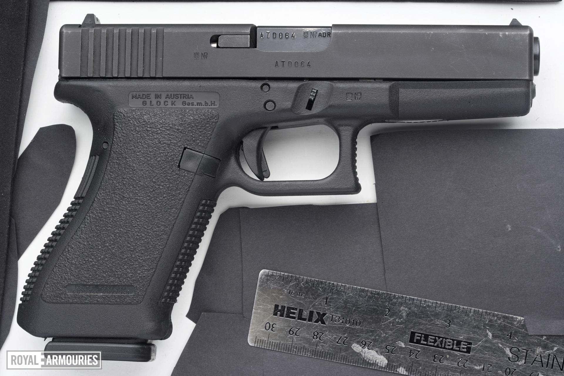 Centrefire self-loading pistol - Glock 21
