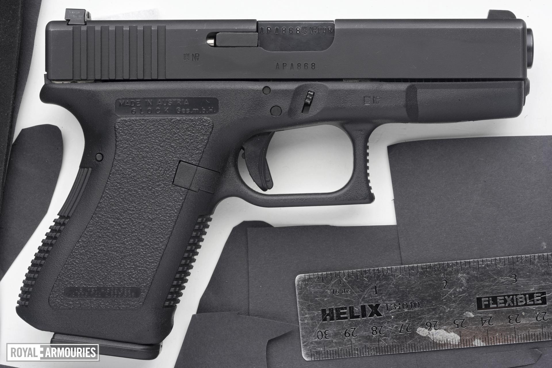 Centrefire self-loading pistol - Glock 23