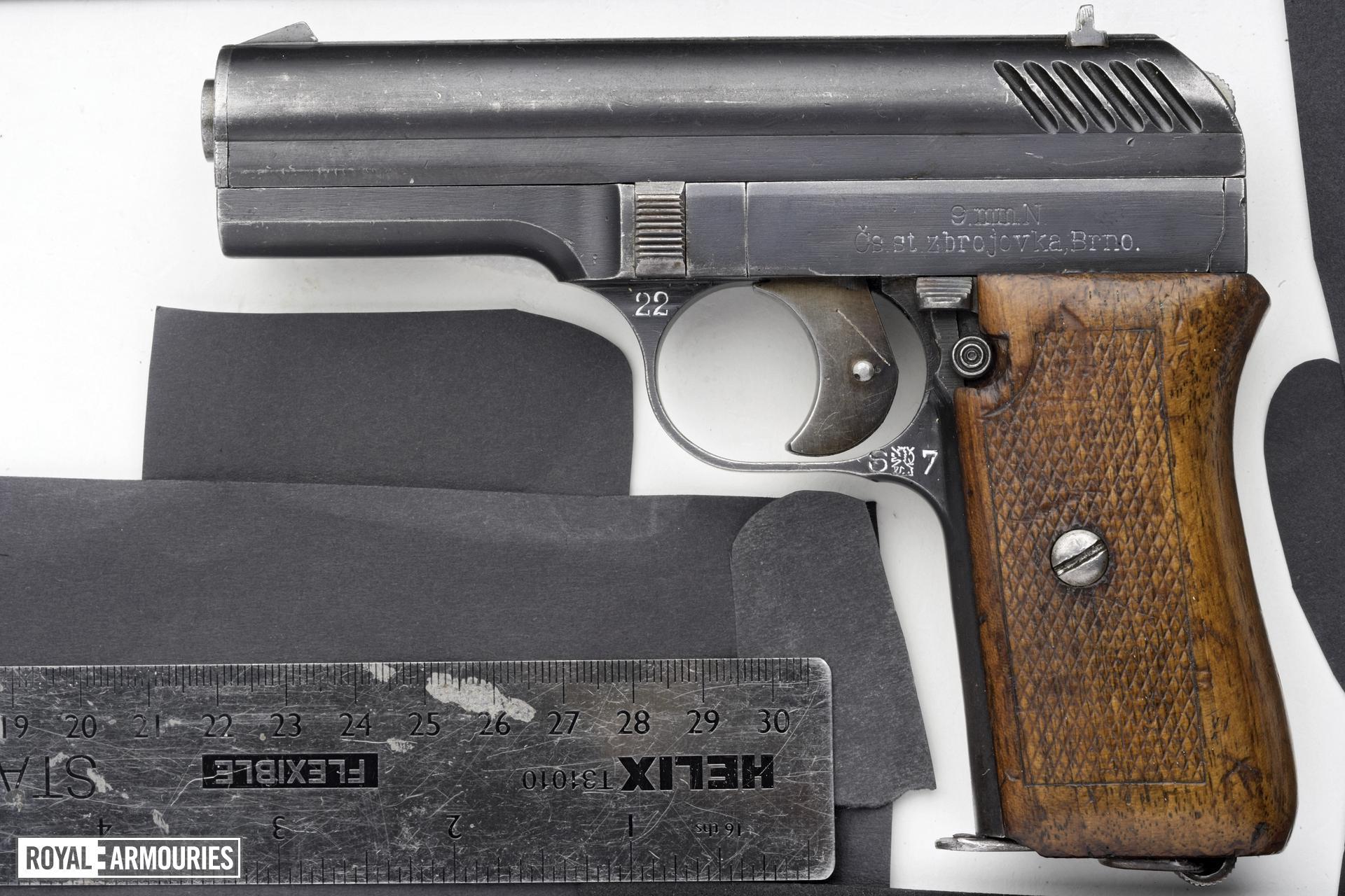 Centrefire self-loading pistol - ZB VZ22