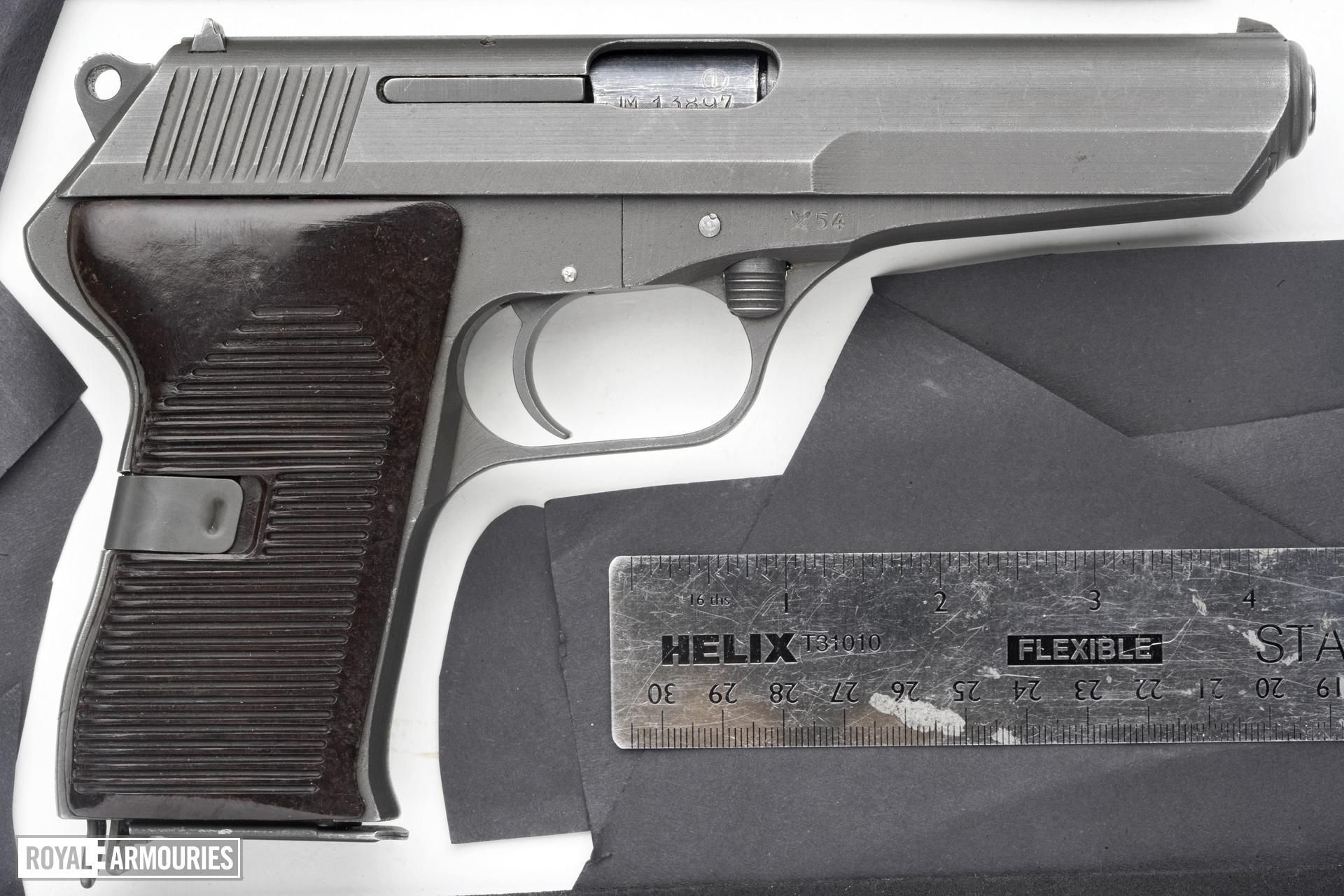 Centrefire self-loading pistol - CZ VZ52