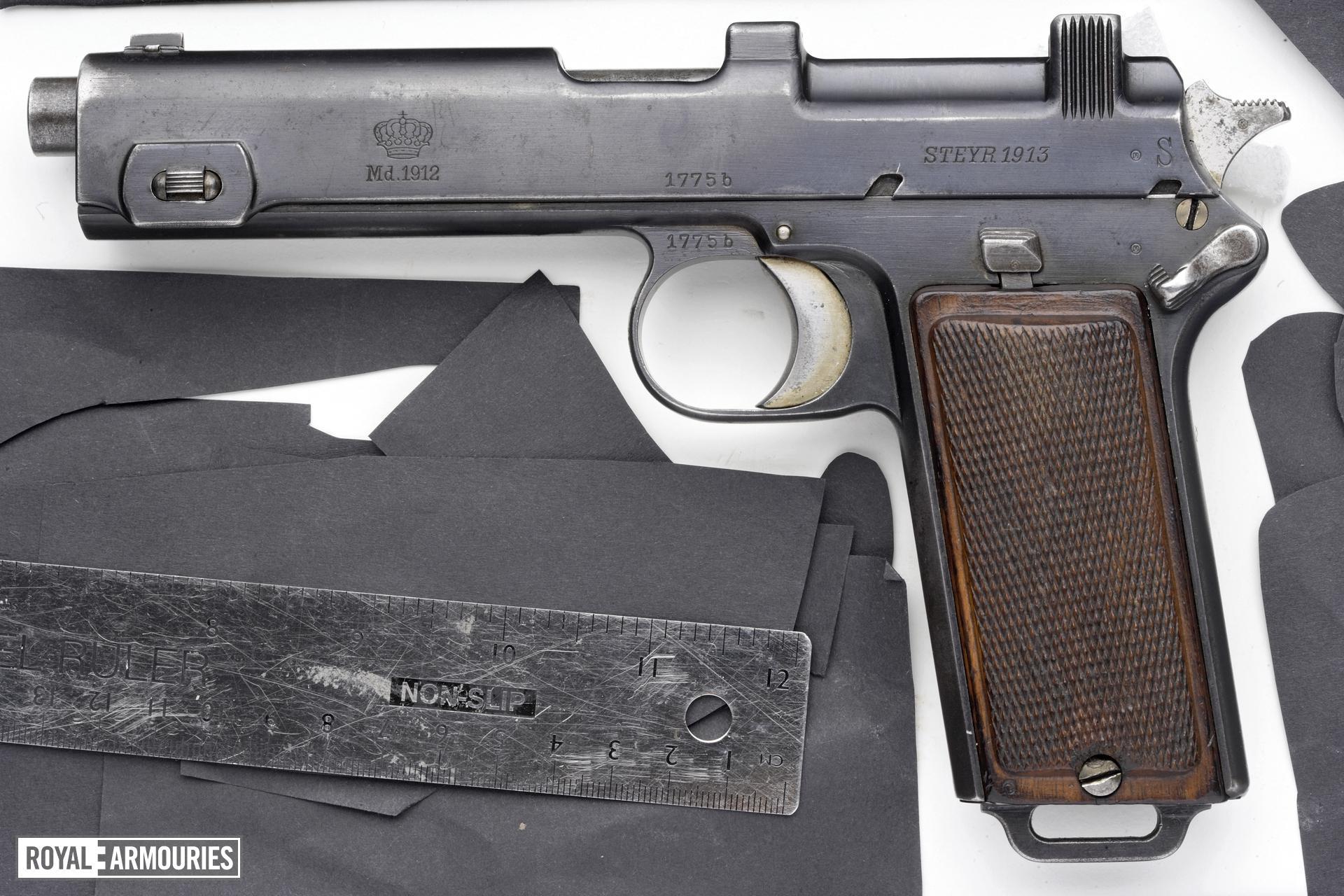 Centrefire self-loading pistol - Steyr Hahn Model 1912