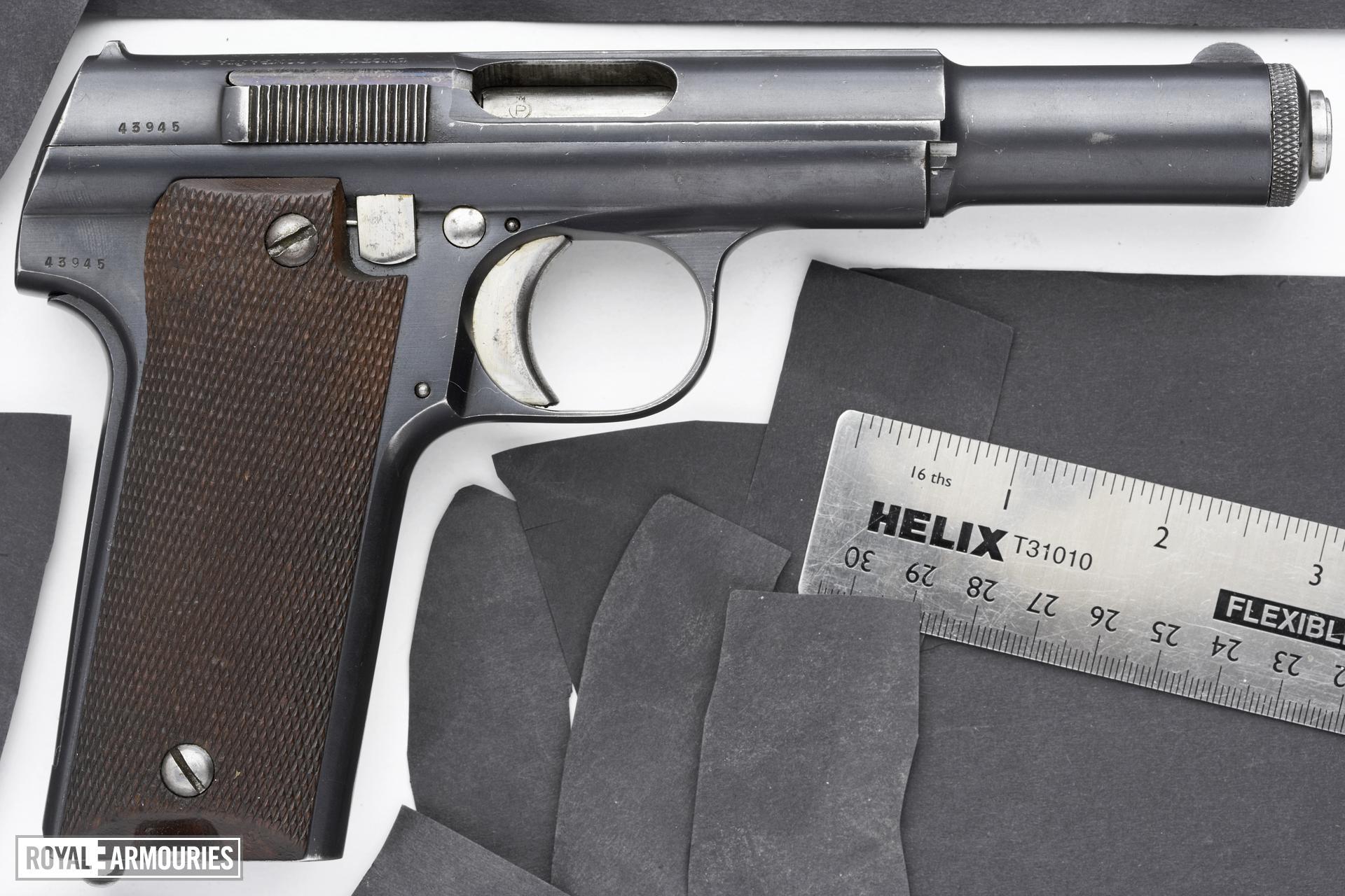 Centrefire self-loading pistol - Astra Model 600