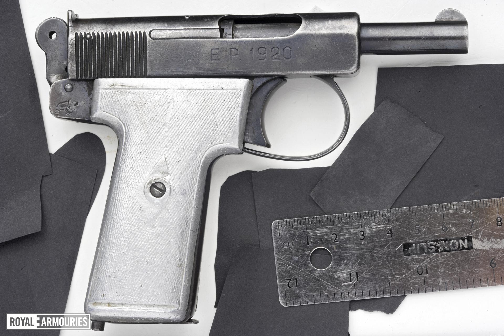 Centrefire self-loading pistol - Webley and Scott Model 1908