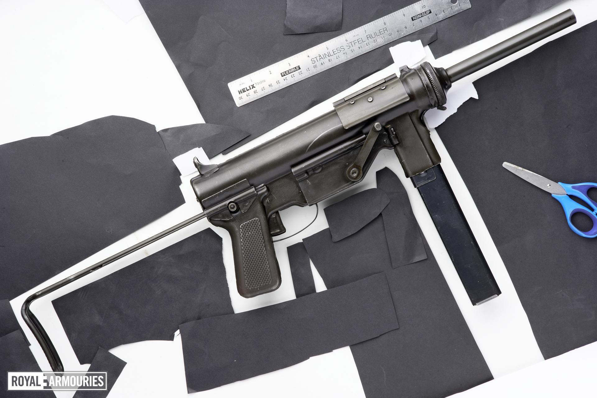 Centrefire automatic submachine gun - M3