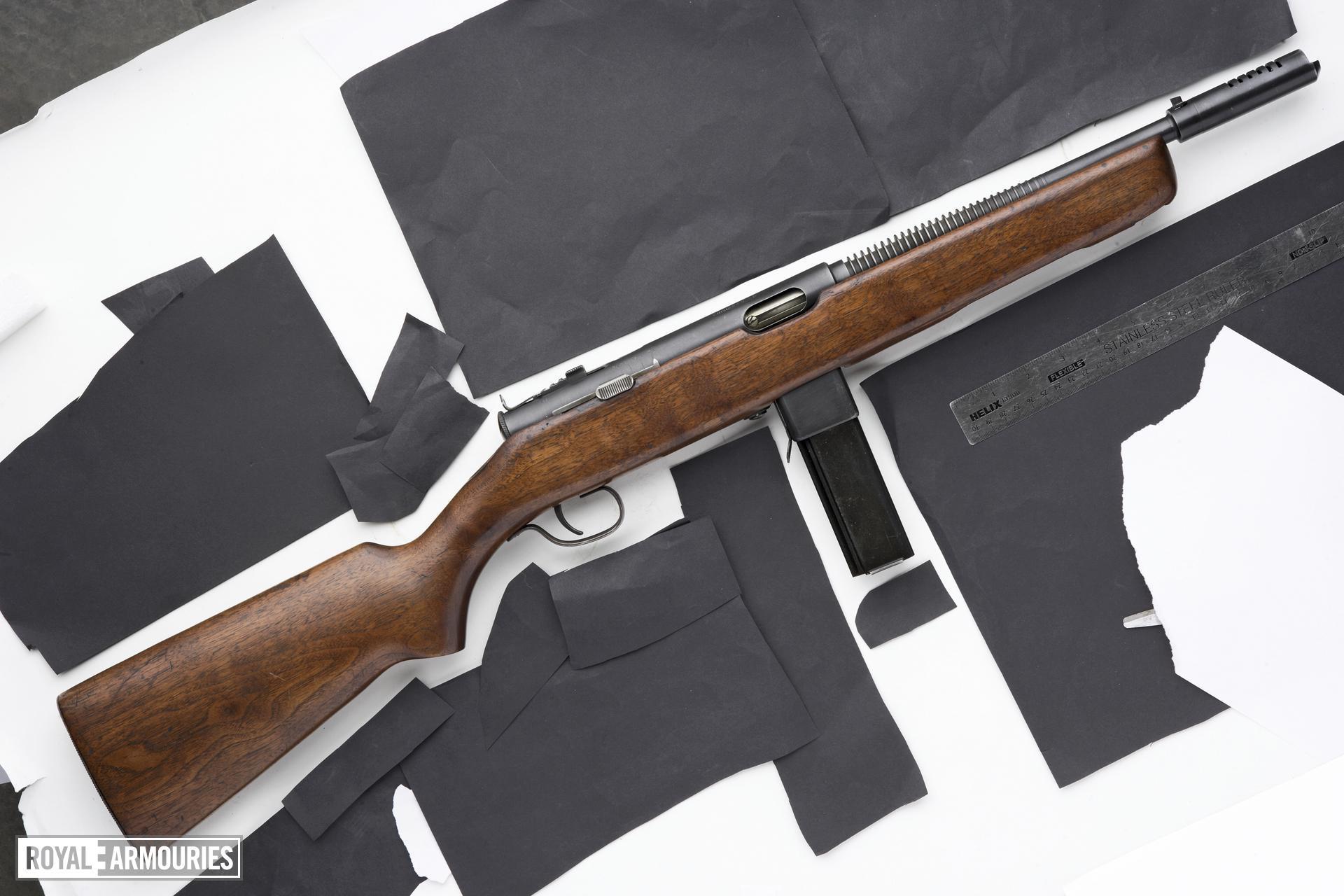 Centrefire automatic submachine gun - Reising Model 50