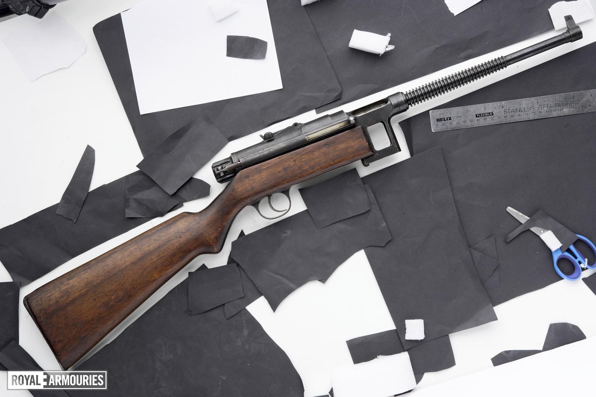 Centrefire automatic submachine gun - Star Model RU-1935