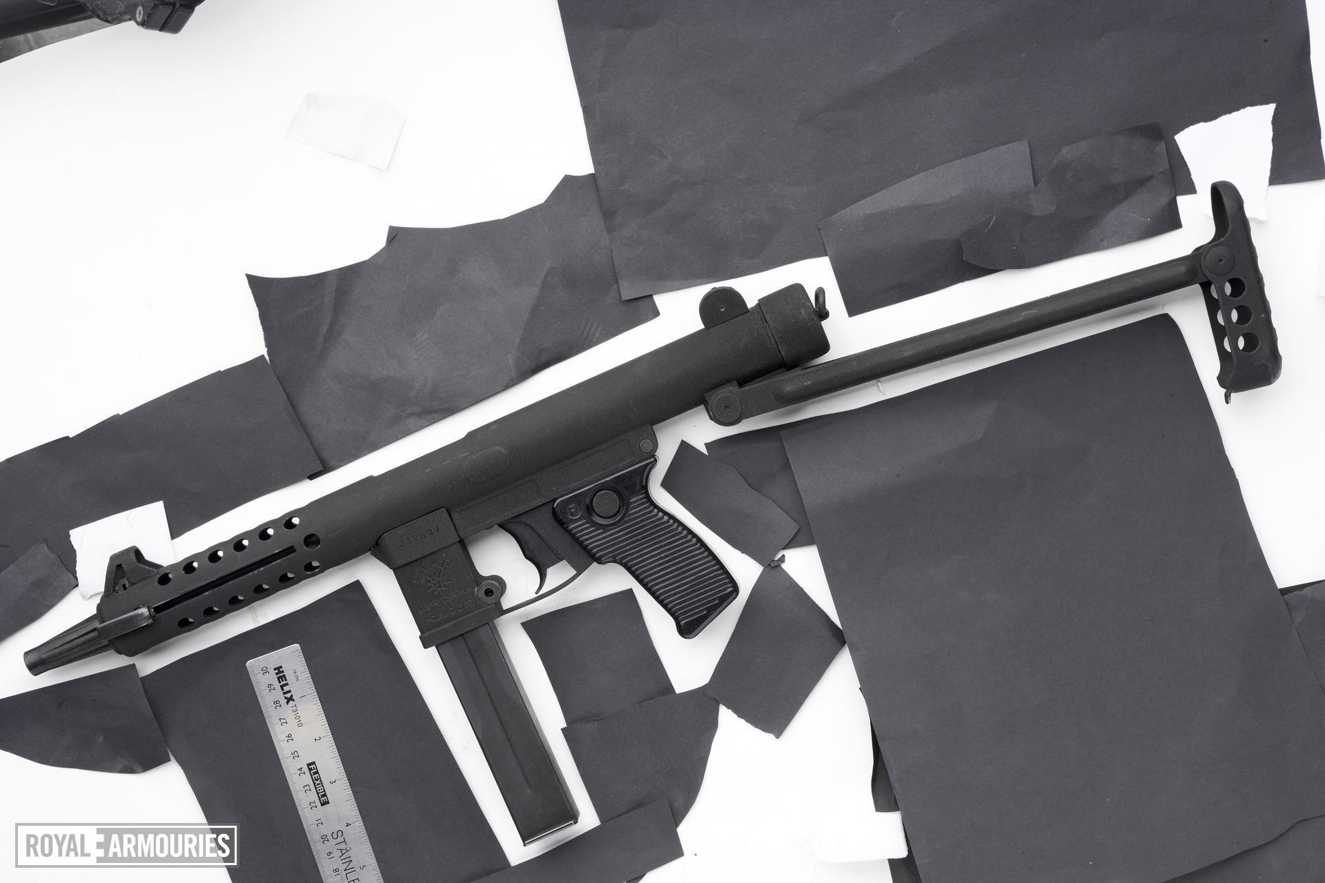 Centrefire automatic submachine gun - Star Model Z-70